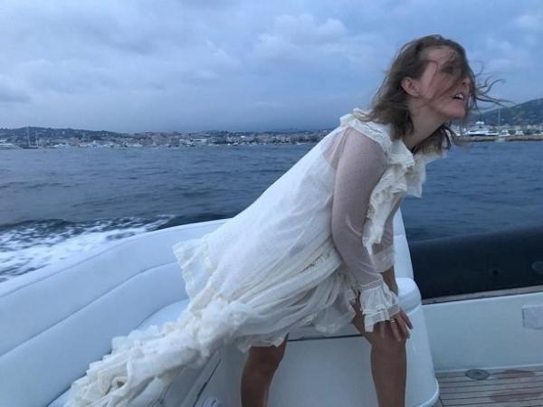 Ксения Собчак просит воздержаться от критики её целлюлита