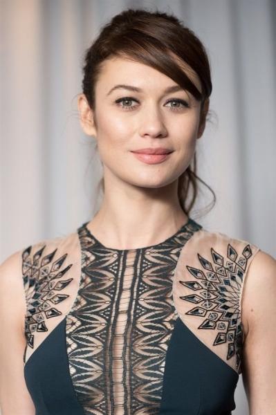 Ольга Куриленко показала селфи в новом имидже
