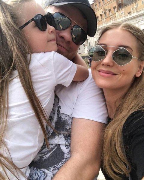 Кристина Асмус перестала скрывать лицо дочки Анастасии