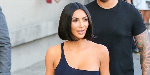 Ким Кардашьян призналась в ношении парика и показала новый образ