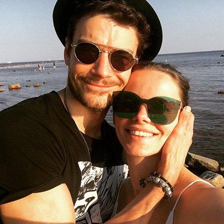 Елизавета Боярская и Максим Матвеев выложили в сеть редкие фото с отдыха