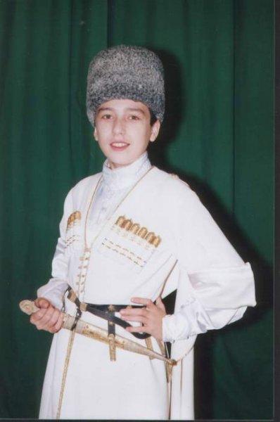 What nationality astemir apanasov