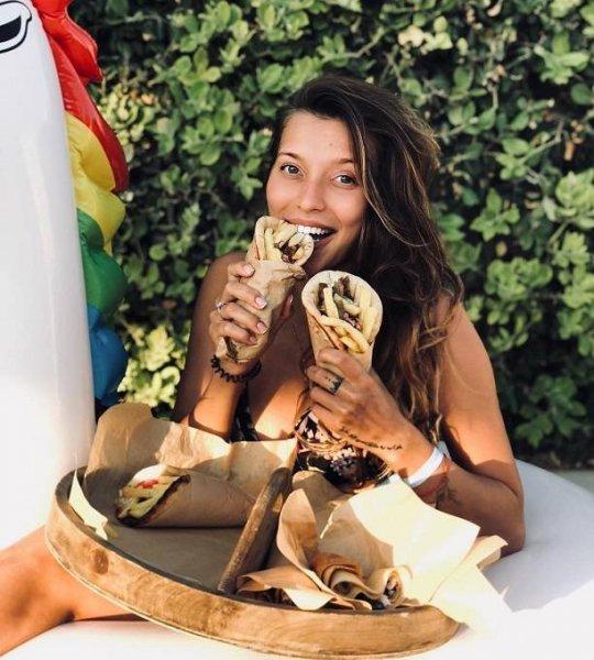 Беременная Регина Тодоренко вступила в открытый конфликт с подписчиком