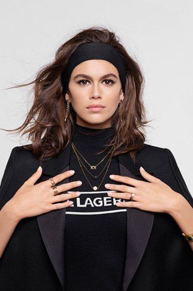 Кайя Гербер стала лицом новой кампании Karl Lagerfeld