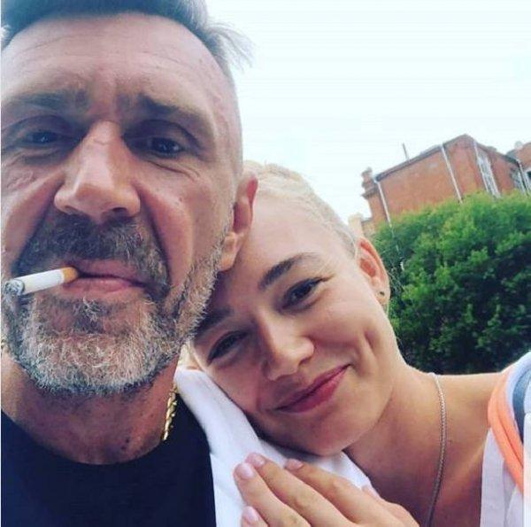 После развода Оксана Акиньшина боится за детей
