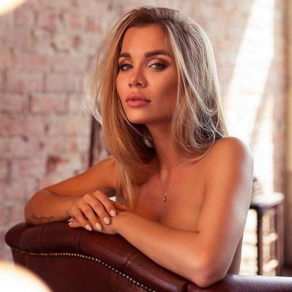 Звезда Дом-2 Саша Гозиса снялась в эротической фотосессии