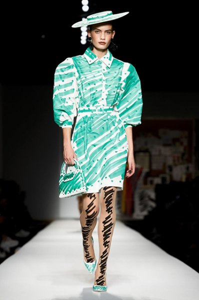 Неделя моды в Милане: Кендалл Дженнер, сестры Хадид, Кайя Гербер и другие на показе Moschino
