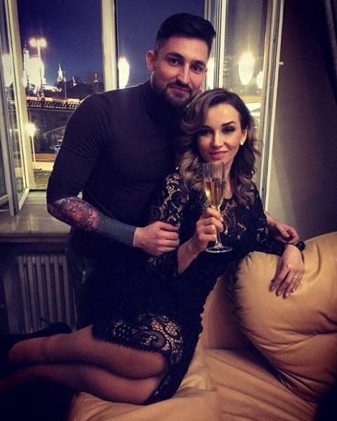 Анфису Чехову заметили в отеле вместе с любовником