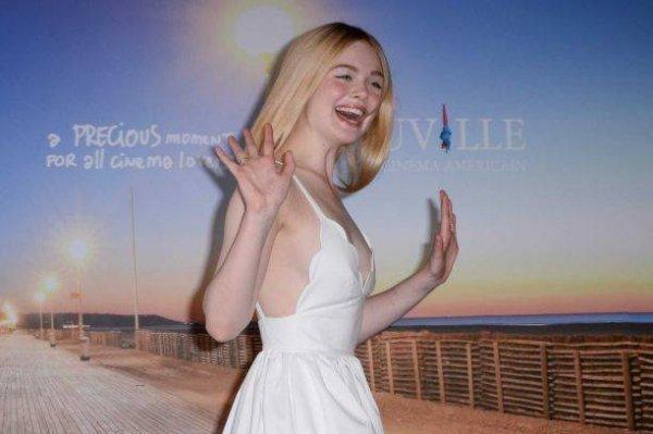 Актриса Эль Фэннинг приехала на мероприятие в слишком легкомысленном платье
