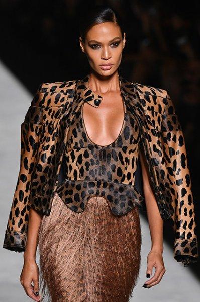 Неделя моды в Нью-Йорке: Джиджи Хадид и Кайя Гербер на показе Tom Ford