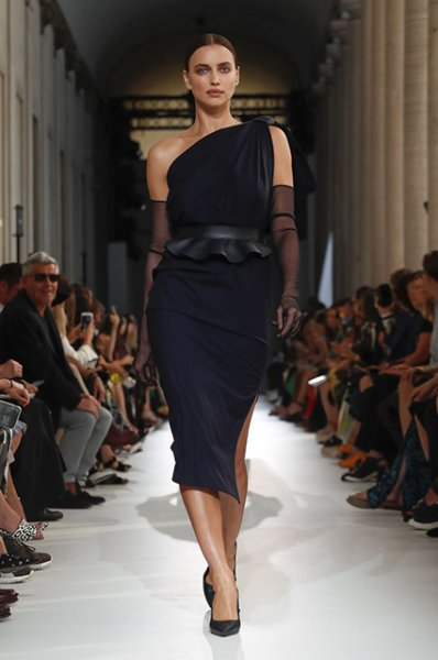 Неделя моды в Милане: Ирина Шейк, Джиджи Хадид и другие на показе Max Mara