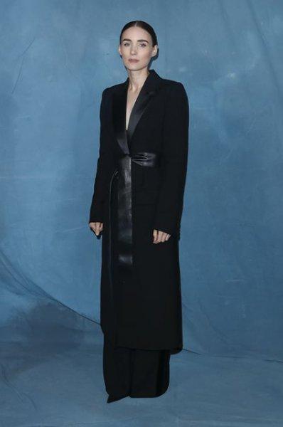 Неделя моды в Париже: Энн Хэтэуэй, Аманда Сэйфрид, Лив Тайлер, Руни Мара и другие на показе Givenchy