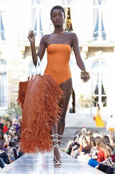 Неделя моды в Париже: показ Jacquemus сезона весна/лето-2019