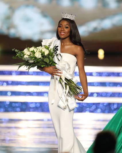 "Титул ""Мисс Америка — 2019"" завоевала Ниа Имани Франклин из Нью-Йорка"