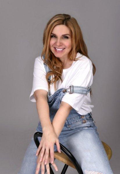 Певица Марина Табри презентовала мистический  клип на песню Primal Wheel.