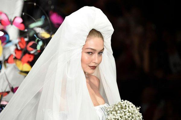 Джиджи Хадид в роли невесты растрогала свою сестру Беллу до слез