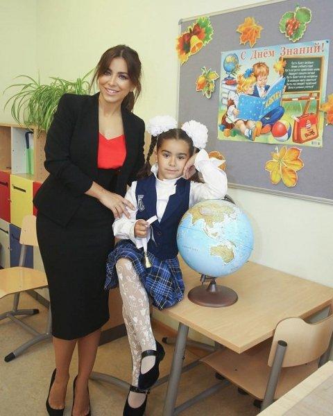 Ани Лорак отдала дочь в русскую школу