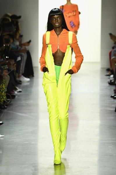 Неделя моды в Нью-Йорке: Джиджи Хадид, Пэрис Джексон и пикачу на показе Jeremy Scott