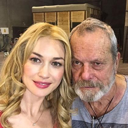 Ольга Куриленко предстала в образе блондинки