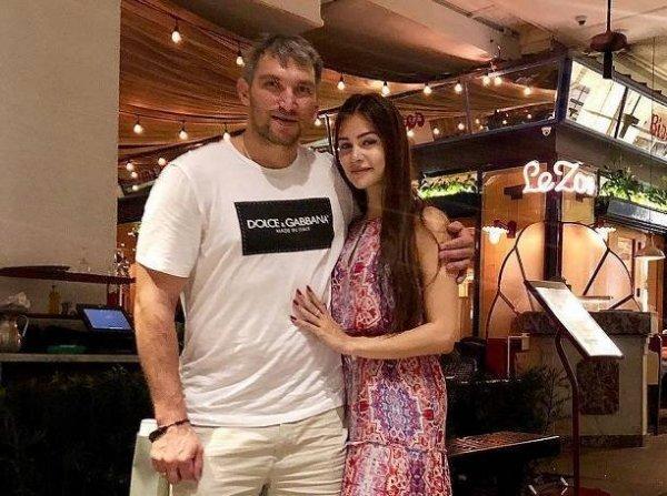 Анастасия Шубская поразила фигурой в купальнике после родов