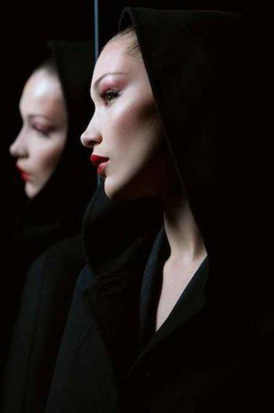 Белла Хадид выбрала макияж для Хеллоуина