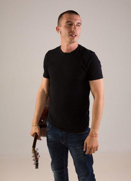 Спустя 10 лет творческой карьеры Vadim Milli сменил псевдоним на 8adim