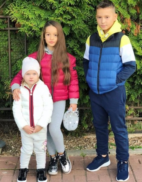 Дочка Курбана Омарова напала на собаку