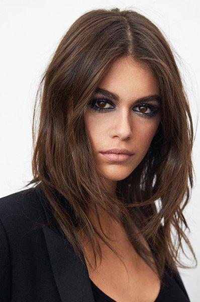 Кайя Гербер стала лицом косметической линии Yves Saint Laurent