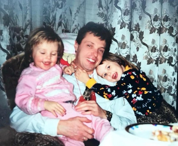 Анастасия Решетова трогательно поздравила папу с Днем рождения