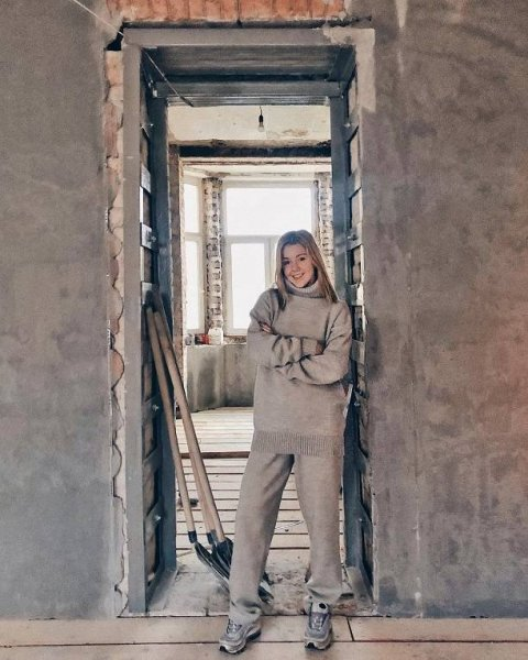 Певица Юлианна Караулова стала обладательницей роскошной квартиры в Москве