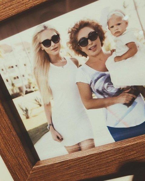 Алена Шишкова откровенно рассказала, как относится к маме Тимати
