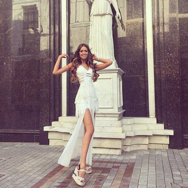«Мисс Москва - 2015» Оксана Воеводина и король Малайзии сыграли свадьбу: первые фото торжества