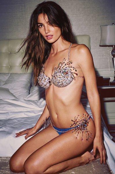 Настоящие сокровища: вспоминаем все роскошные Fantasy Bra от Victoria's Secret за последние 22 года