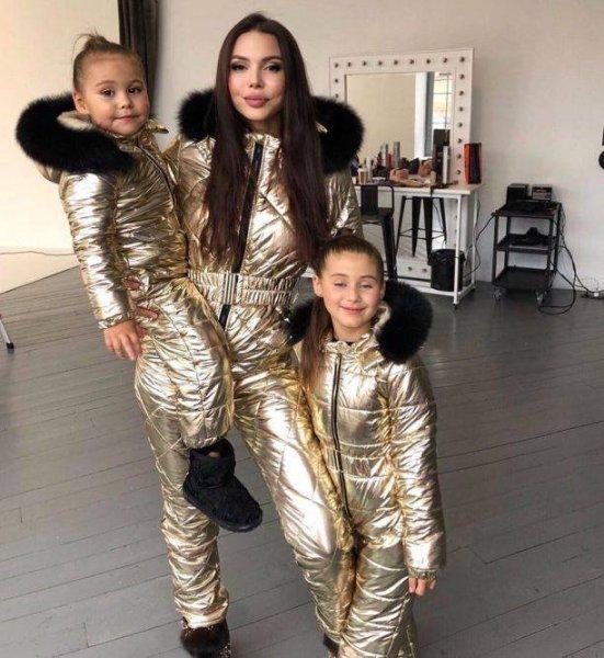 Оксана Самойлова презентовала новую коллекцию роскошных платьев для мамочек и дочек