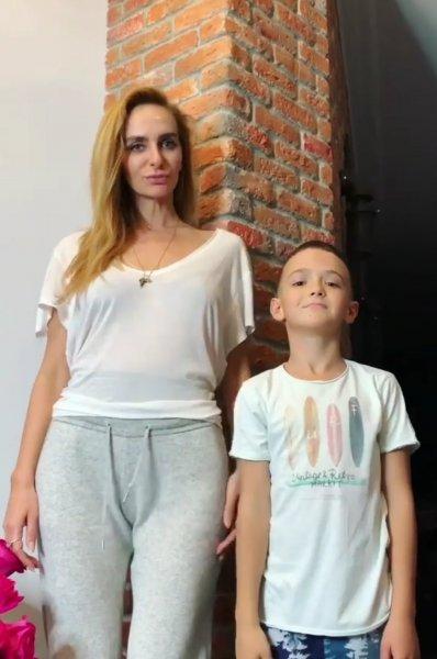 Сын Богдан представил Алёне Водонаевой свою девушку