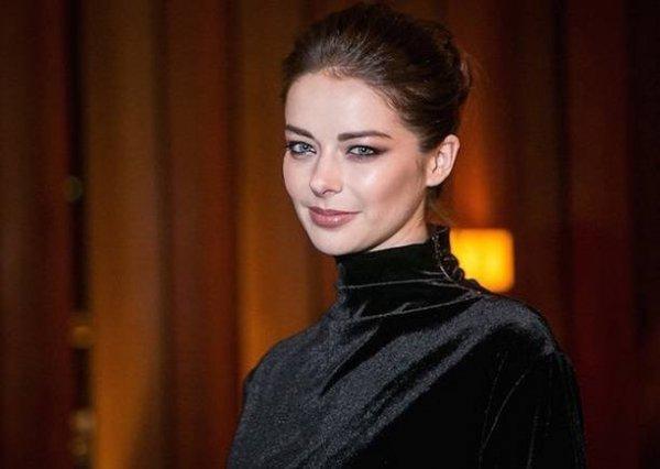 Марина Александрова разделась в ванной и разместила голые фото в Инстаграм