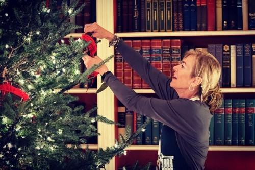 Как Белый дом украшают к Рождеству?