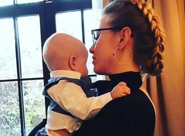 Ксения Собчак показала снимки сына в день его двухлетия