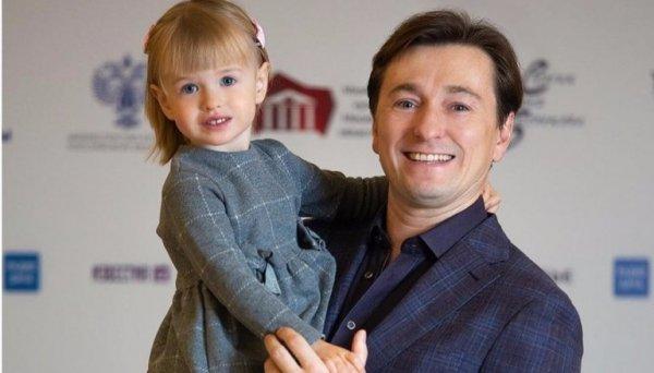Сергей Безруков рассекретил имя новорожденного сына