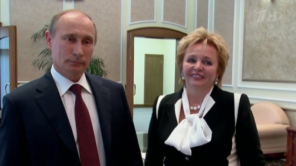Потенциальная дочь Владимира Путина впервые появилась на российском ТВ