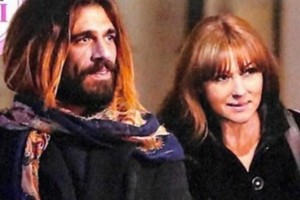 Моника Беллуччи впервые попала в объектив папарацци с молодым любовником