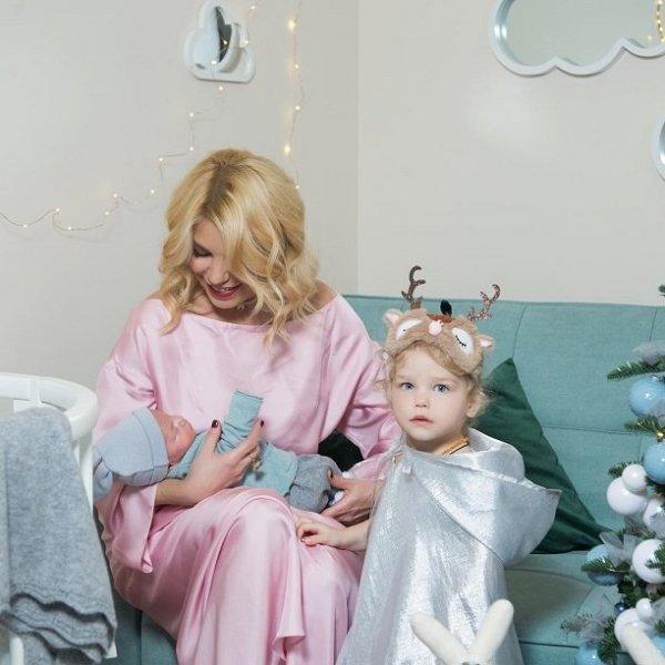 Олимпиада Тетерич впервые показала лицо третьего ребёнка