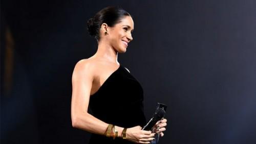 Сюрприз! Меган Маркл посетила Fashion Awards-2018
