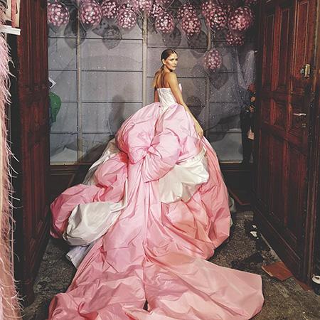 Елена Перминова стала звездой показа на Неделе высокой моды в Париже