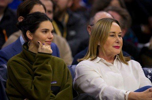 Кендалл Дженнер поддержала бойфренда на баскетбольном матче