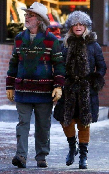 Папарацци сделали милые фото Голди Хоун и Курта Рассела