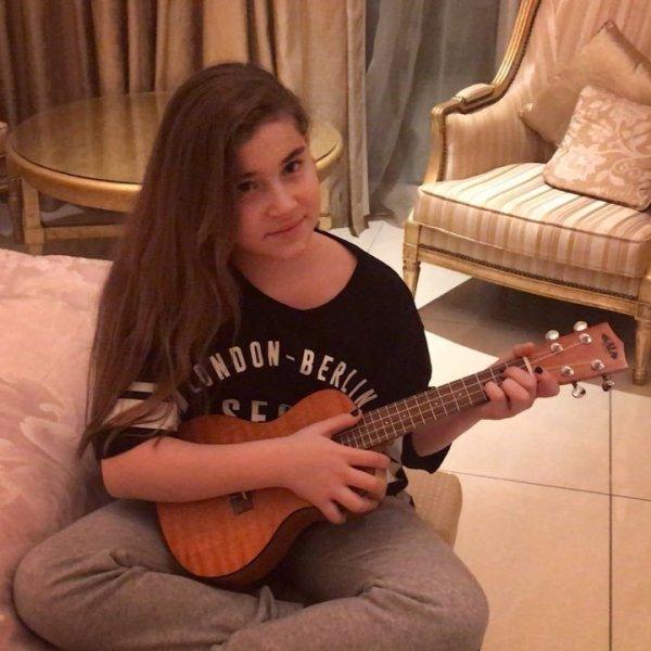 Младшая дочь Алсу приняла участие в кастинге шоу «Голос. Дети»