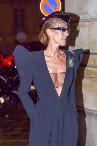 Селин Дион в откровенном комбинезоне сходила в кабаре в Париже
