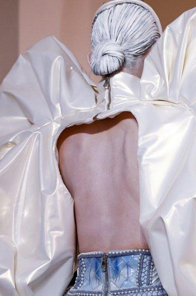 Неделя высокой моды в Париже: показ Balmain сезона весна/лето-2019