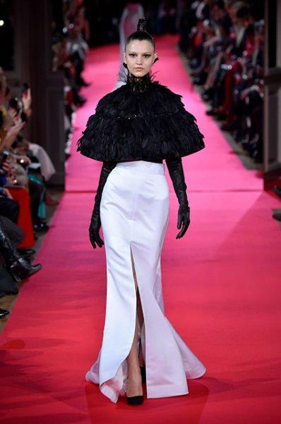 Неделя высокой моды в Париже: Яна Рудковская и другие на показе Yanina Couture
